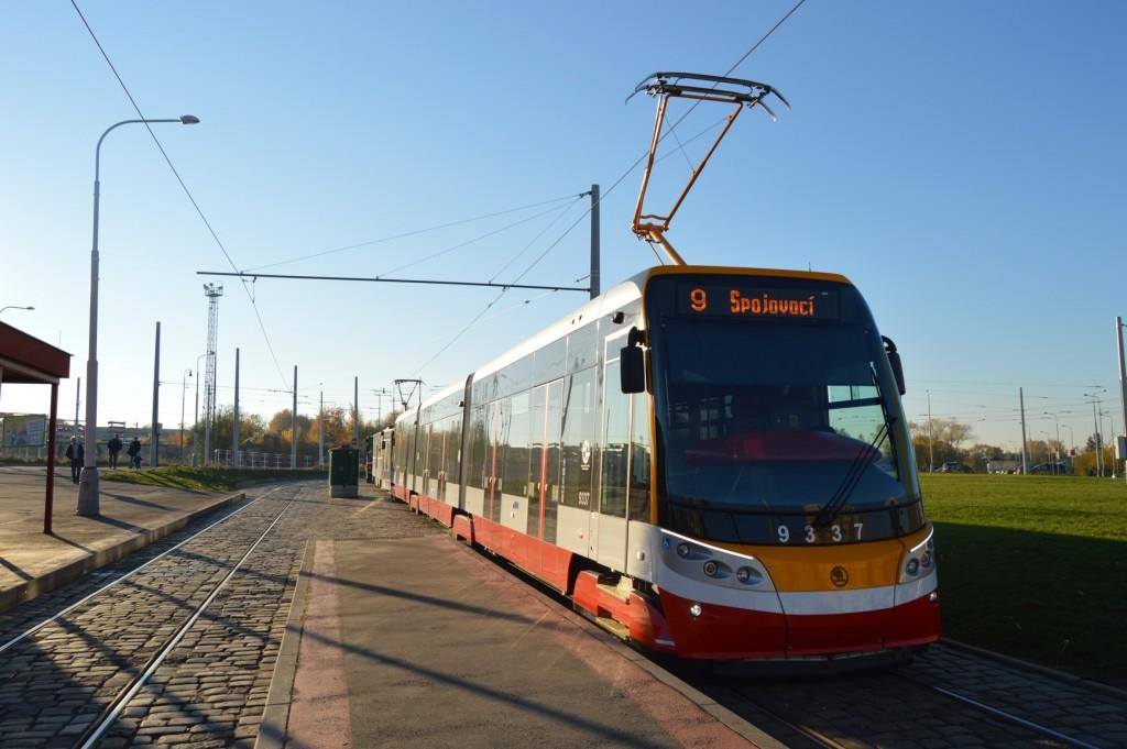 9337 - linka 9 Sídliště Řepy DPP Škoda 15T ForCity Alfa
