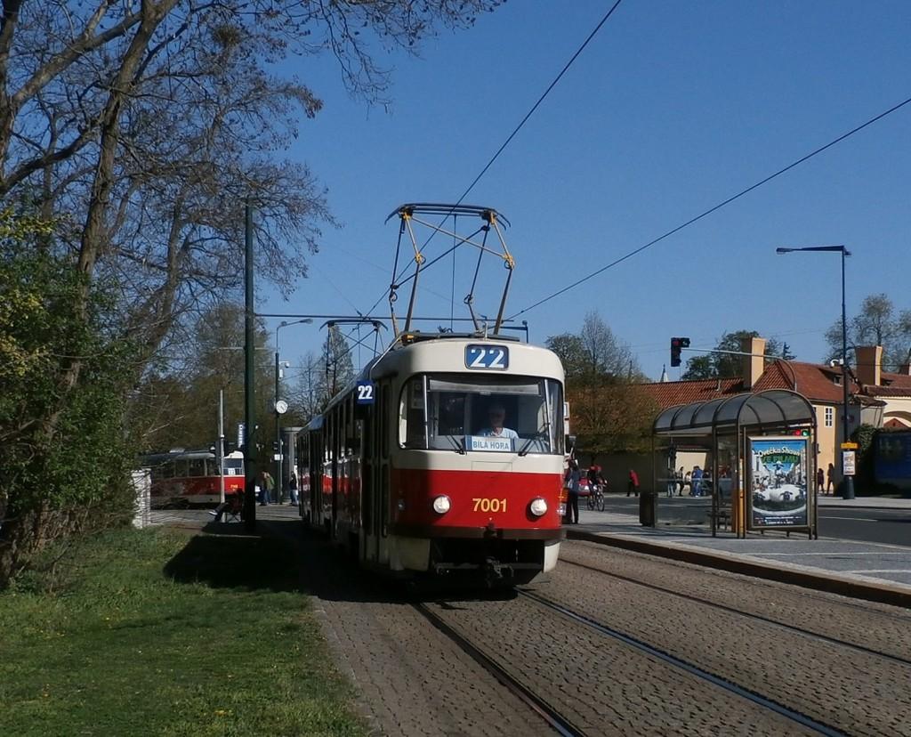 3749-linka-22-prazsky-hrad-dpp-tatra-t3su-7001