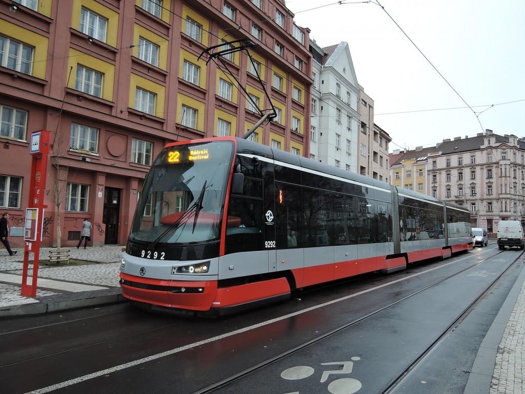 4964-linka-22-cechovo-namesti-dpp-skoda-15t-9292
