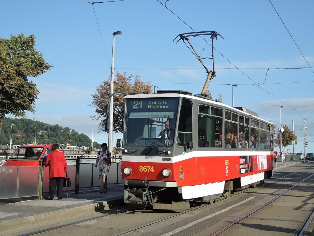 6694-linka-21-palackeho-namesti-dpp-tatra-t6a5-8674