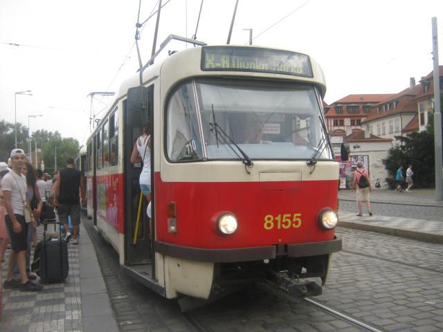Linka X-A na Malostranský.
