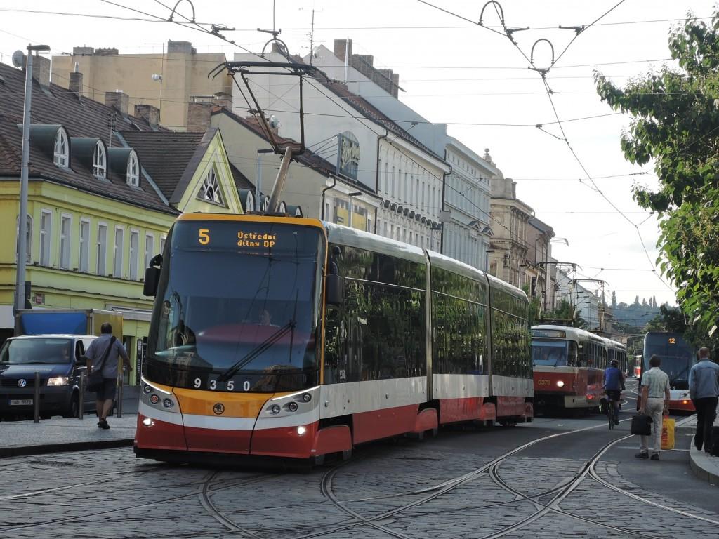 6688 - linka 5 Anděl DPP Škoda 15T 9350