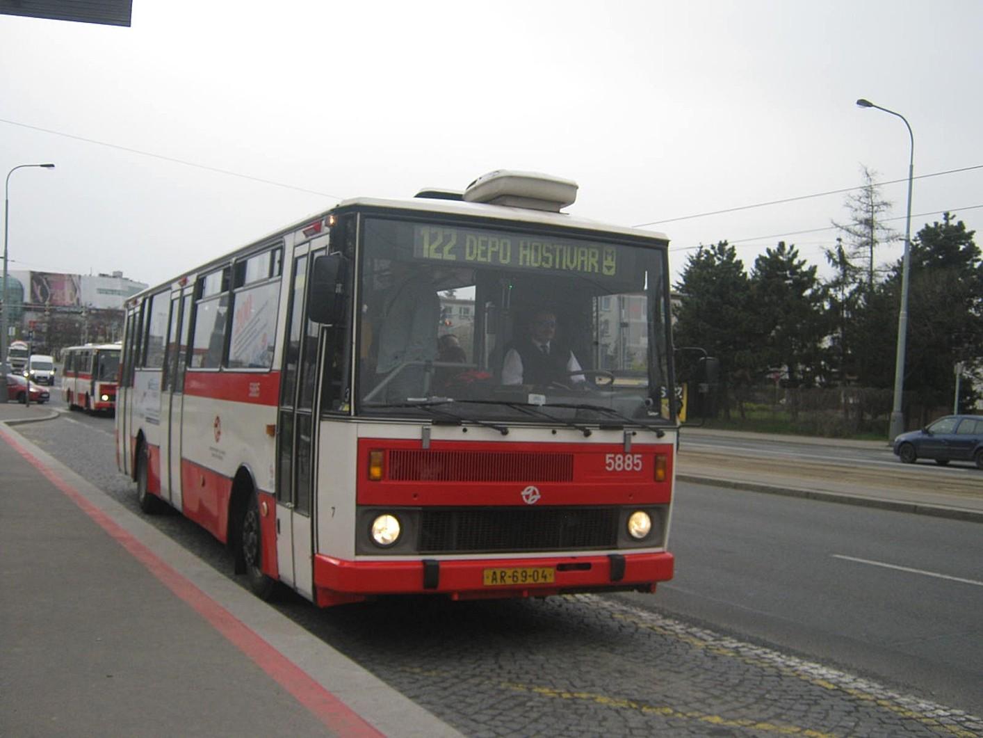 Linka 122 Karosa B 732