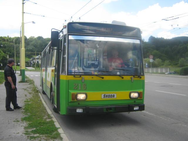 Linka 1 na své konečné u trolwjbusové vozovny.