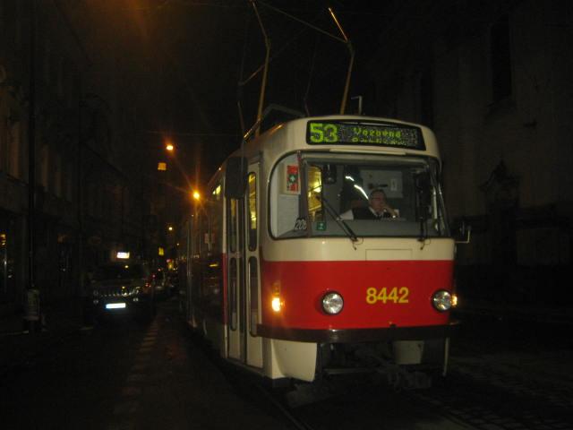 linka 53 na Lazarské