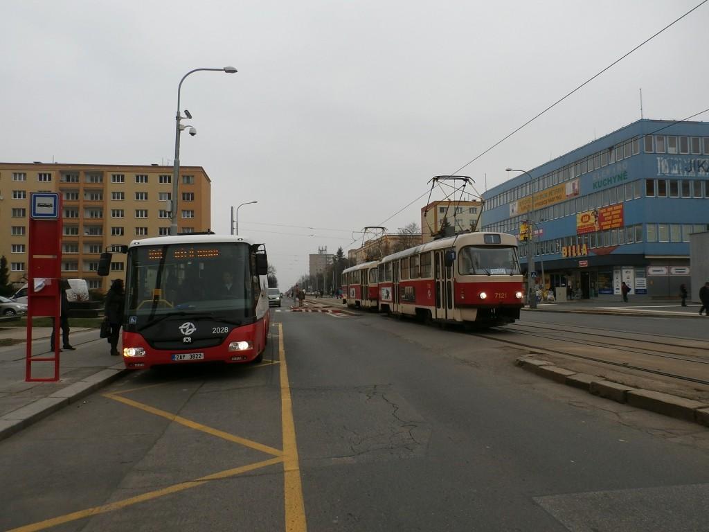 3616 - linka 1 a 168 Petřiny DPP Tatra T3SUCS 7121 a SOR BN 8.5 2028