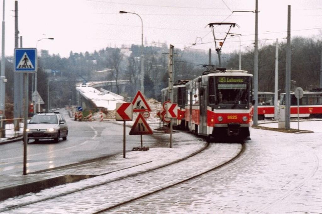 dxb-8625