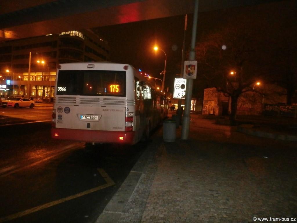 linka 175 SOR NB 12 Florenc 2015