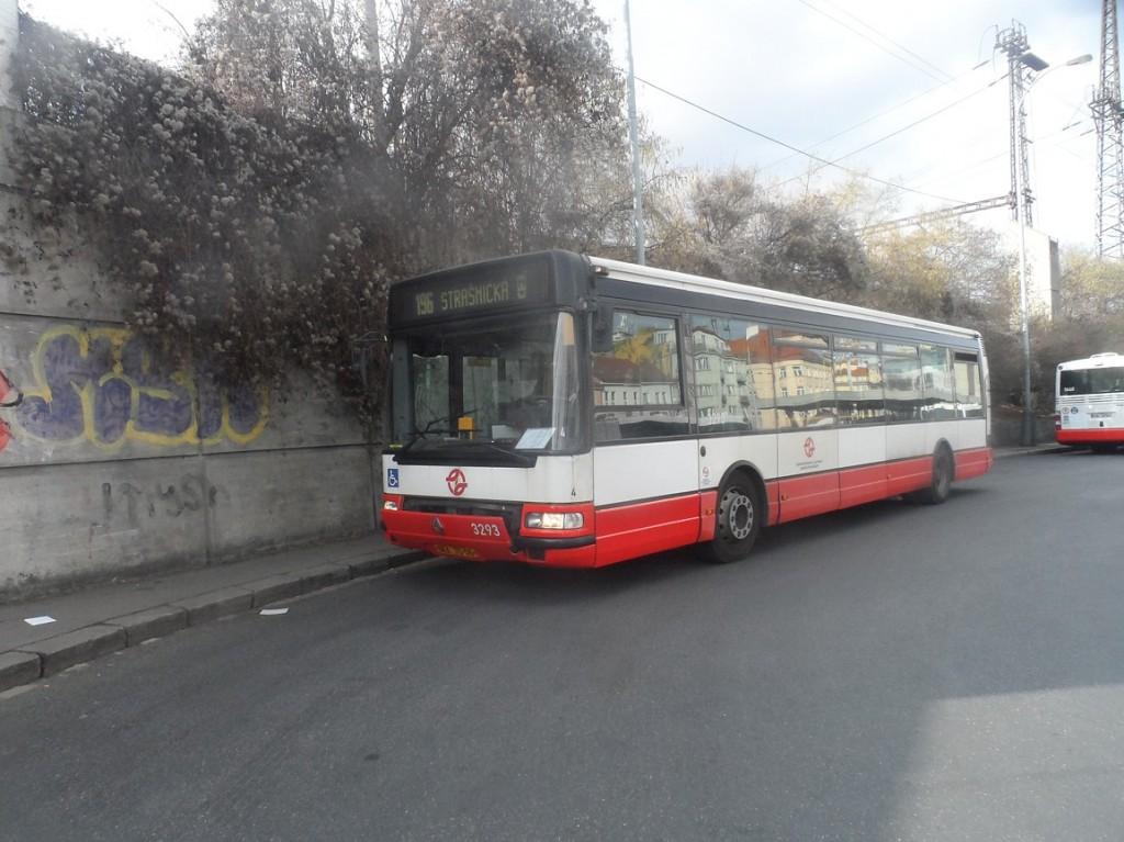 Porouchaný Citybus.