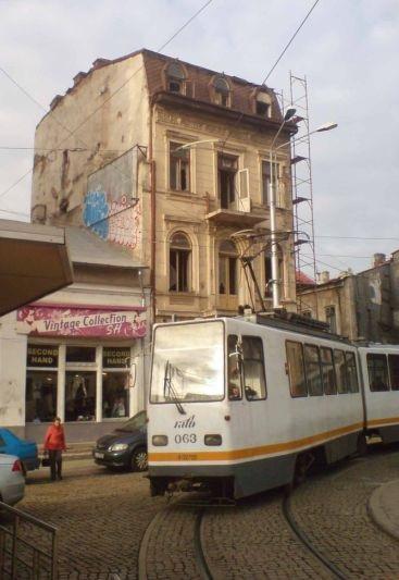 Tramvaj V3A linky 5 na konečné Piaţa Sfantul Gheorghe