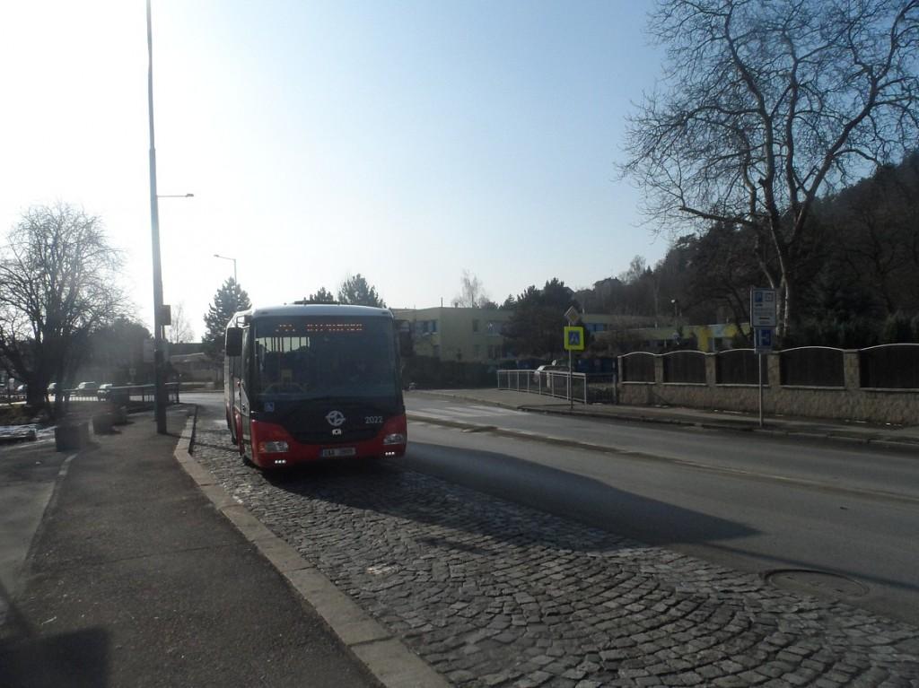 linka 245 na Nádraží Radotín