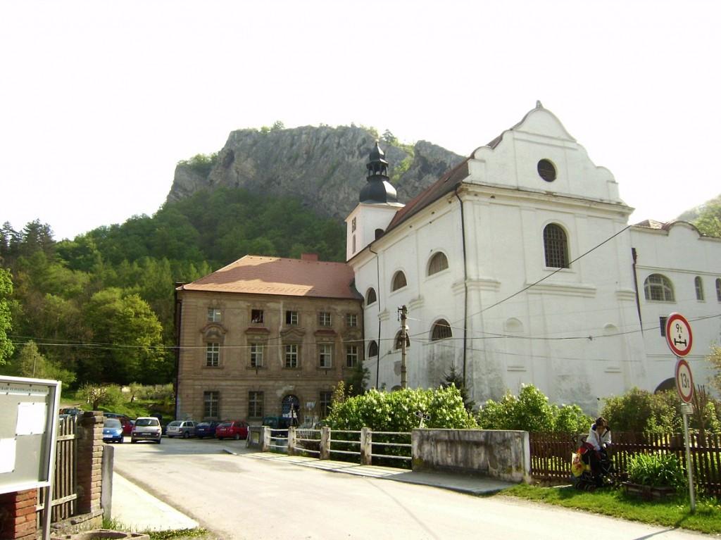 Svatý Jan pod Skalou - kostel Narození svJana Křtitele