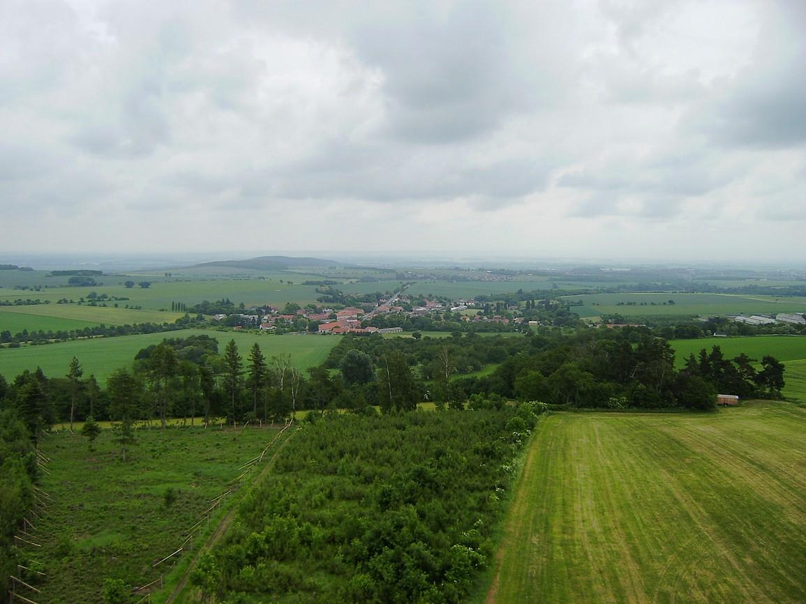 pohled z rozhledny Vysoká na krajinu Kutnohorska