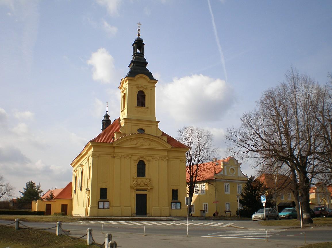 Dobříš - kostel NejsvTrojice