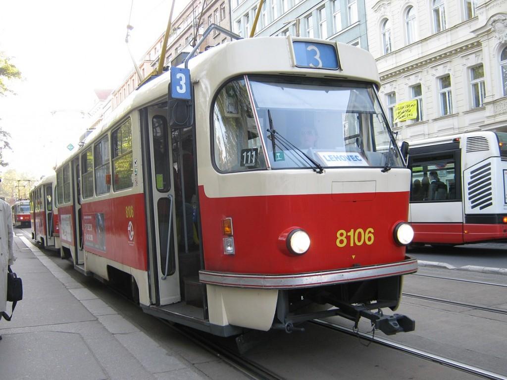 Linka 3 s vozem T3M ev. č. 8106.