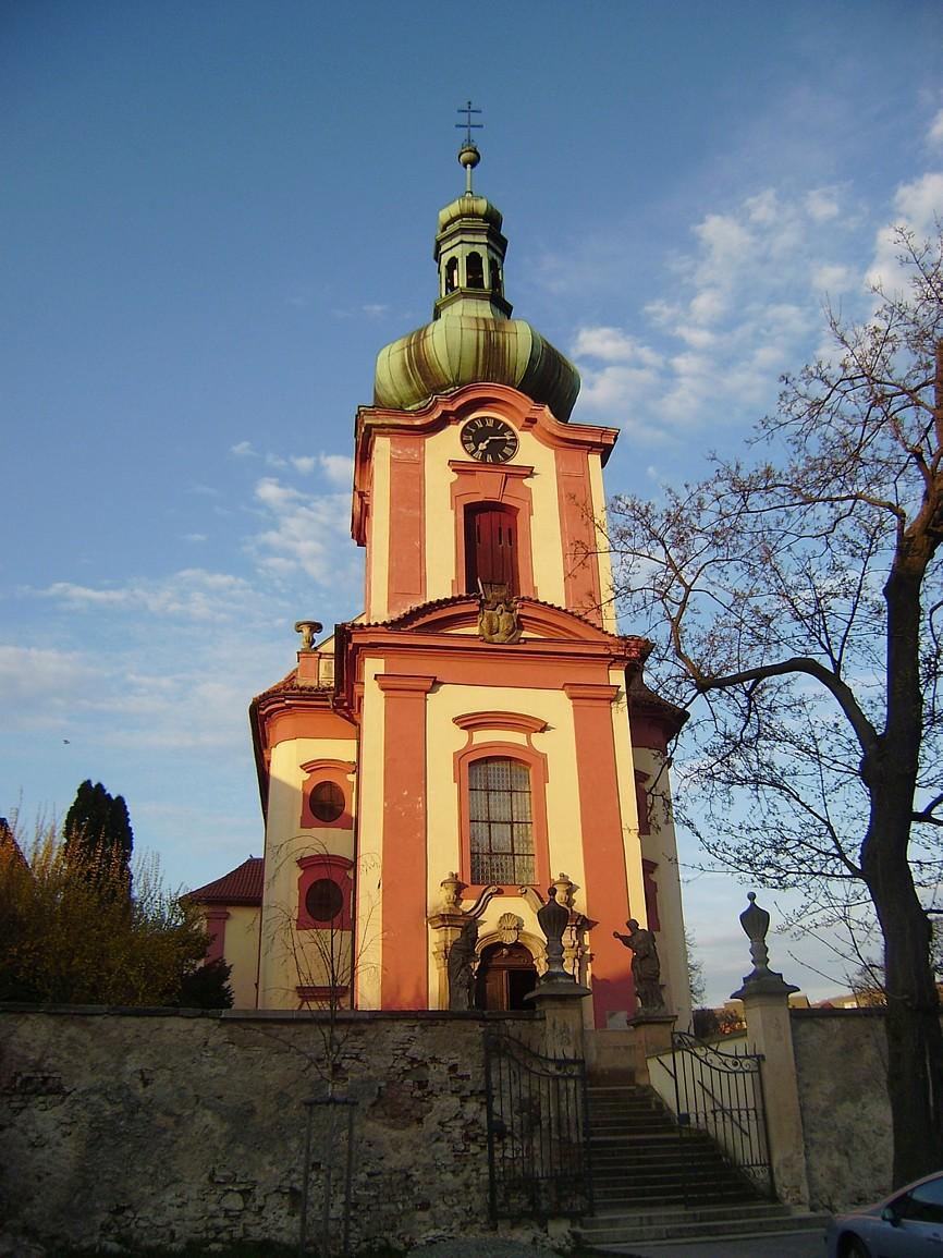 Uhříněves - kostel Všech svatých