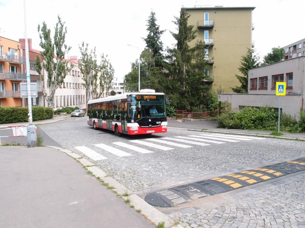 123b - autobus linky 123 směr Šmukýřka