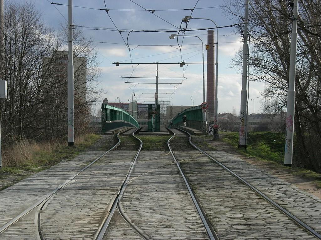 Rámusák na pravém břehu Vltavy