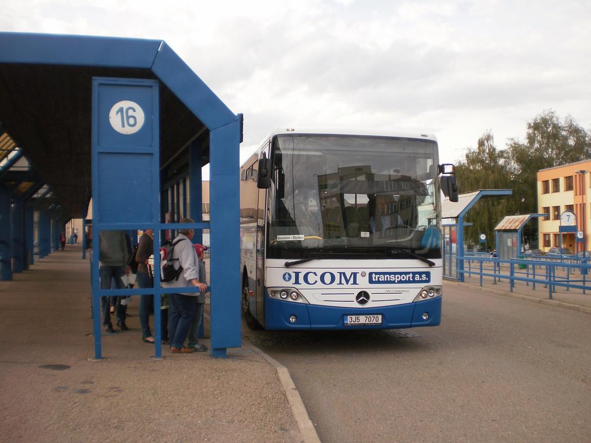 linka 200091 na autobusovém stanovišti v Benešově