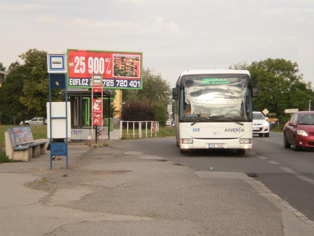 autobus linky 310610 na Bílé Hoře (foto: LN)