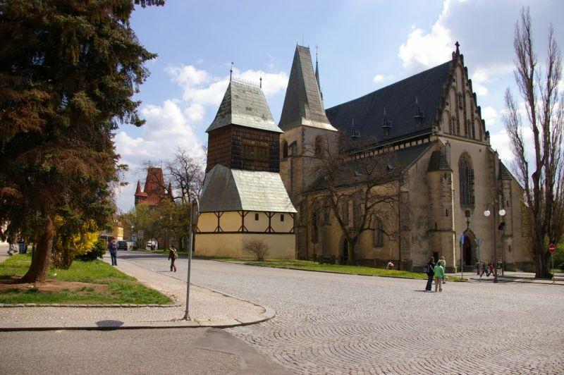 Rakovník - kostel sv Bartoloměje se zvonicí