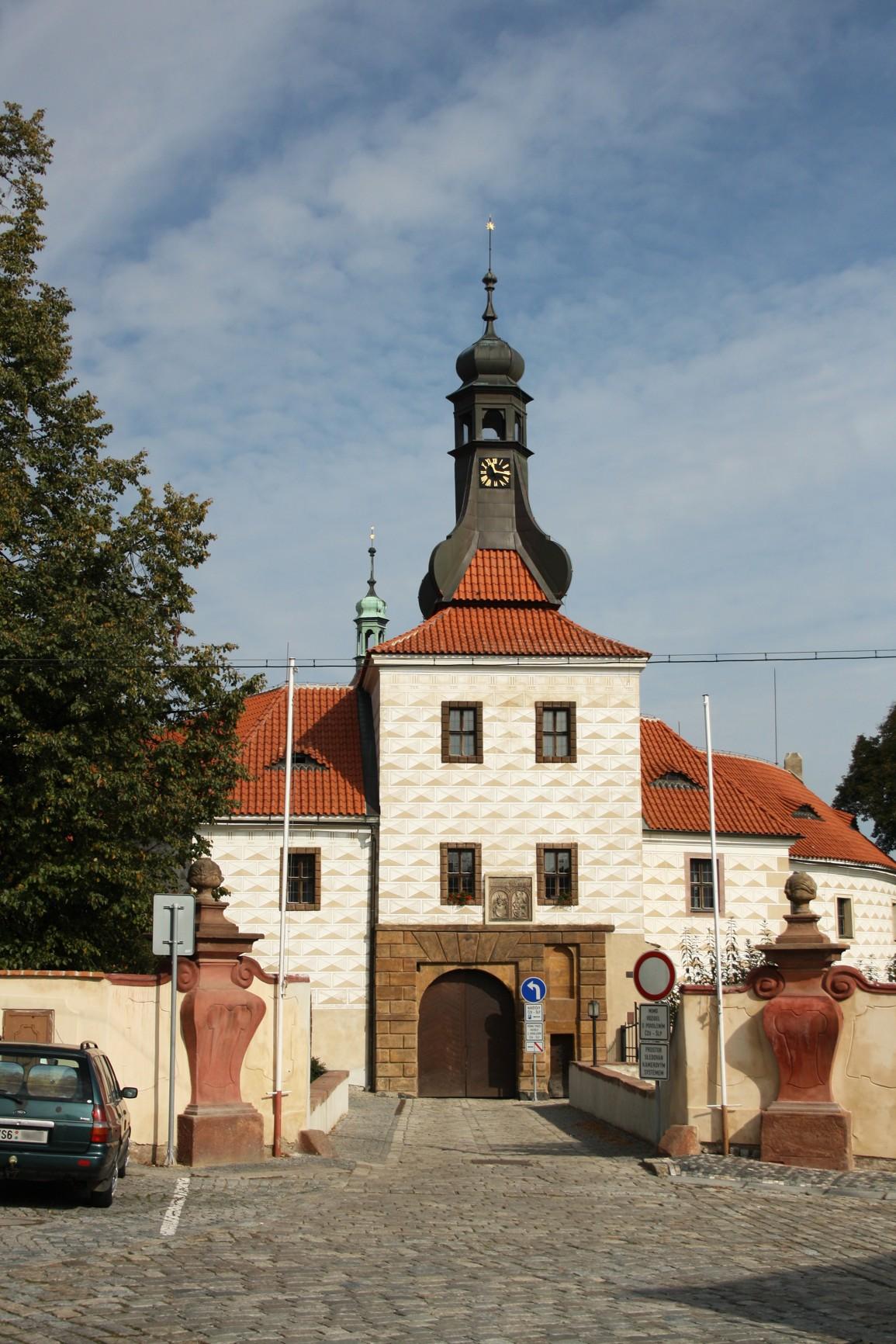 KnČl_zámek_Wikipedia