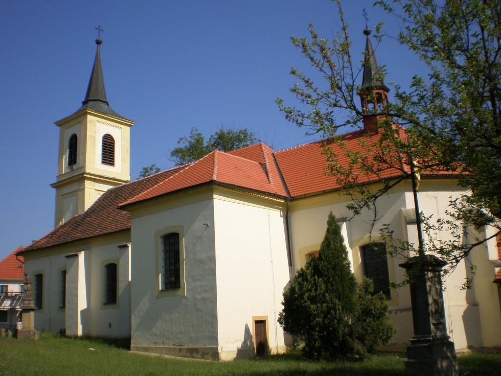 111 - Nové Strašecí - kostel Narození Panny Marie