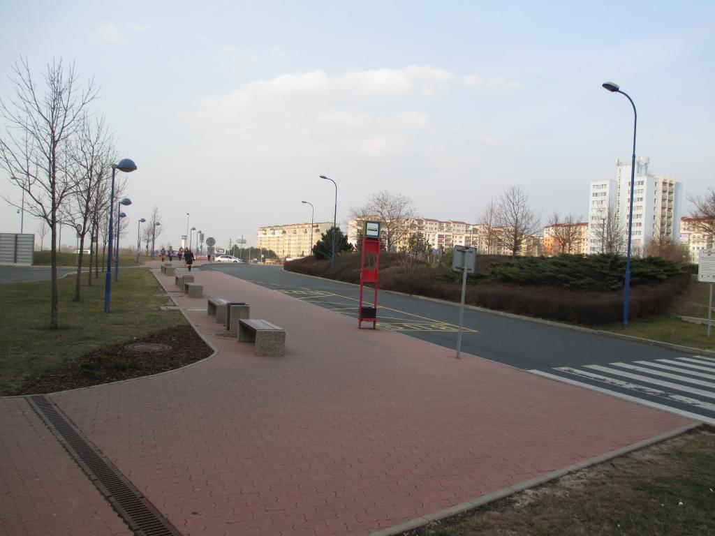 Zastávka OC Letňany (foto: Jan Horák)