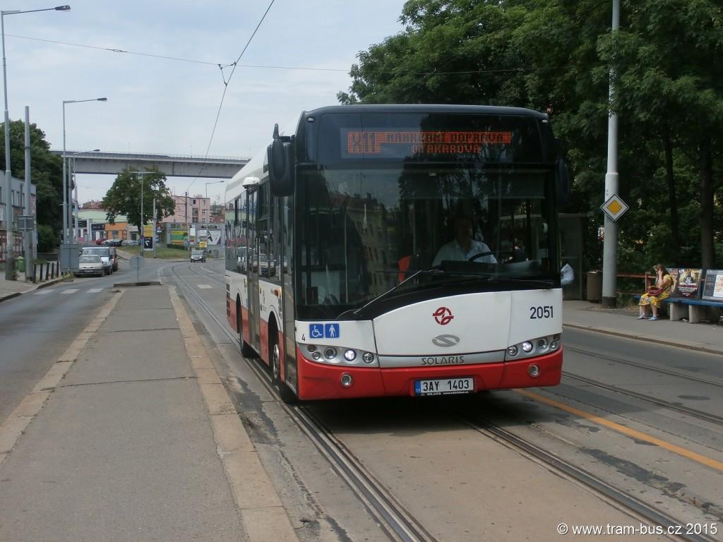 3988 - linka X-11 Divadlo na Fidlovačce DPP Solaris Urbino 8.9 LE 2051