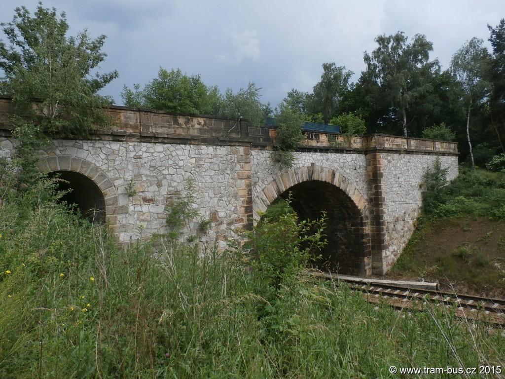 011 - pozůstatek zrušené trati Strausbergovy železnice