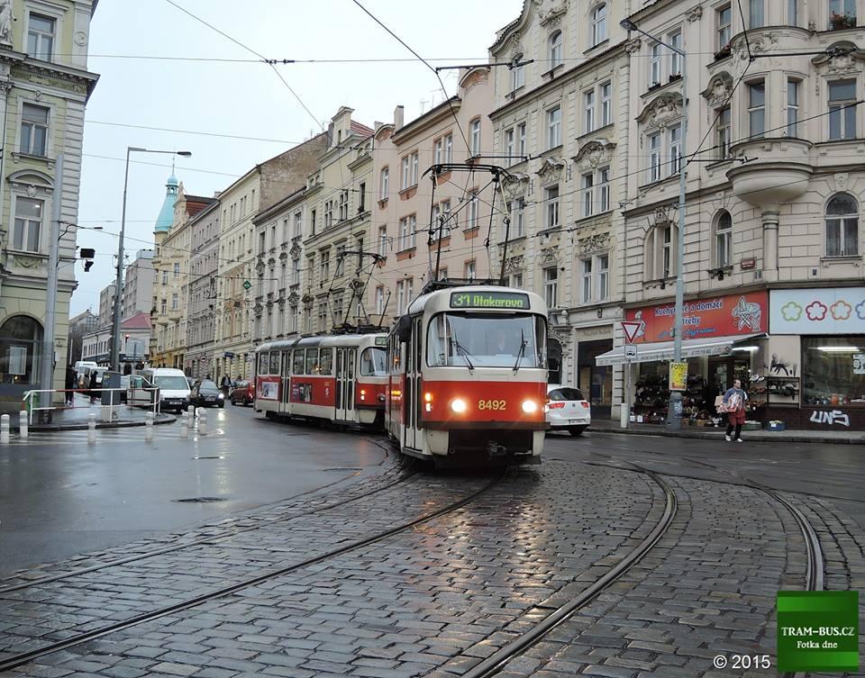 Fotka dne 22. 11. 2015: S pokračující rekonstrukcí tramvajové trati v Bělehradské ulici došlo k zavedení linky 31, která je vedena místo linky 11 ze Spořilova na Otakarovu. Rekonstrukce se blíží ke konci a od 28. listopadu by se měly tramvaje do Bělehradské opět vrátit a s tím i linka 13.