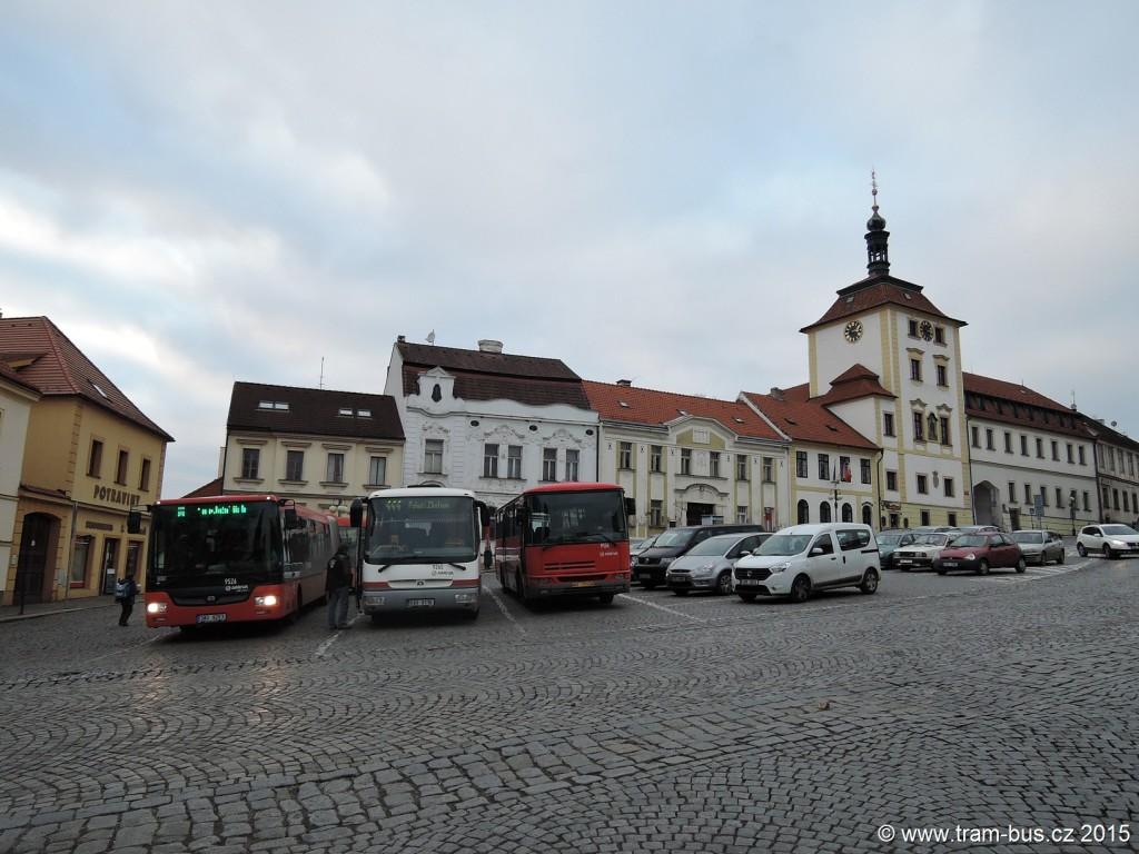 5053 - Jílové u Prahy,,náměstí Arriva Praha SOR CN 18 9526, SOR CN 12 9265, Karosa C 934 9106
