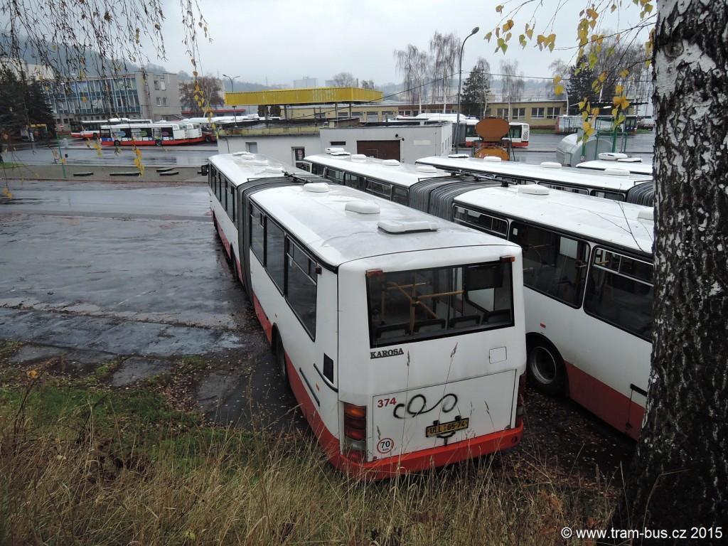 040 - garáže DP Ústí nad Labem Karosa B 941 374