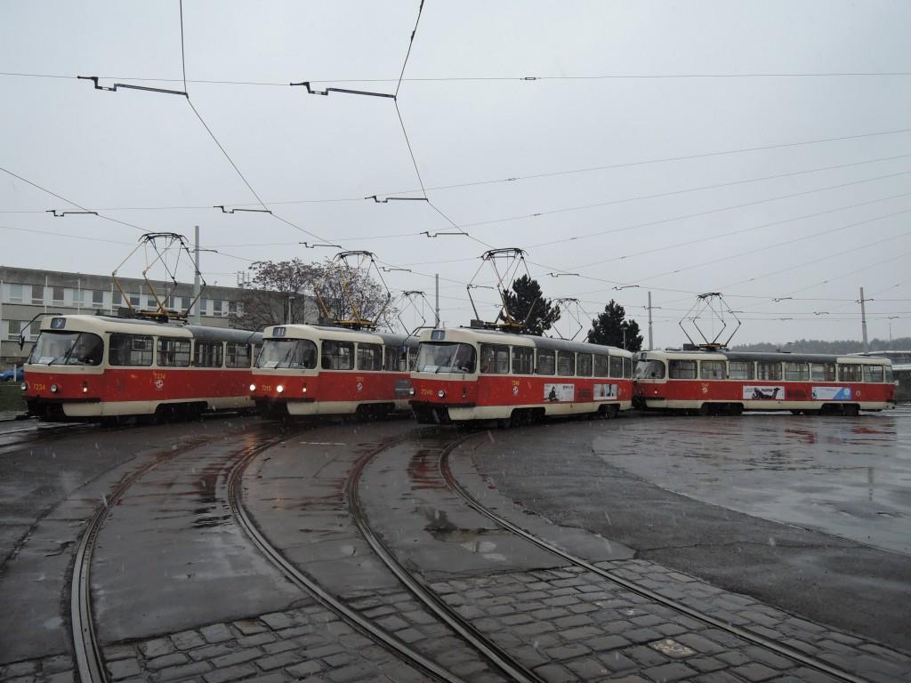5559 - linka 1, 9 a 11 Spojovací DPP Tatra T3SUCS 7234, 7215 a 7246