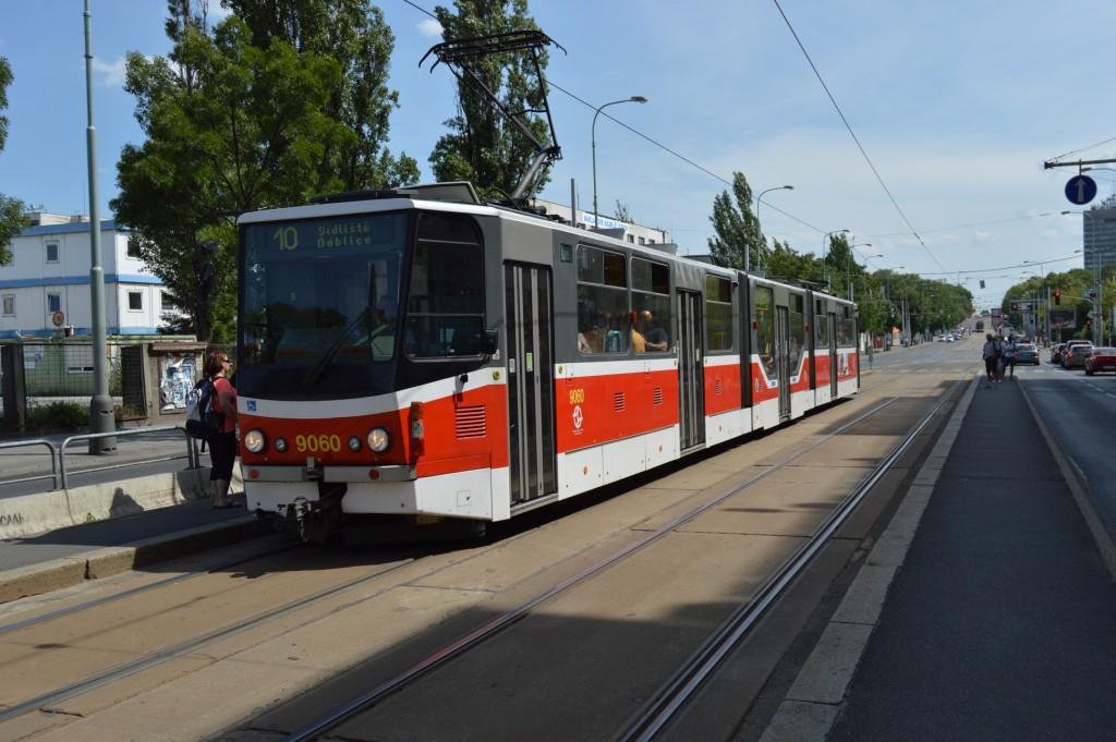 9060 - linka 10 Nákladové nádraží Žížkov DPP Tatra KT8D5RN2P