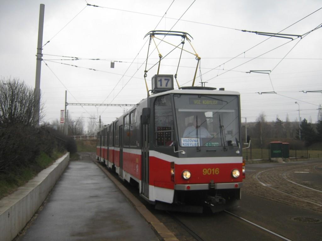 1074-linka-17-levskeho-dpp-tatra-kt8d5-9016
