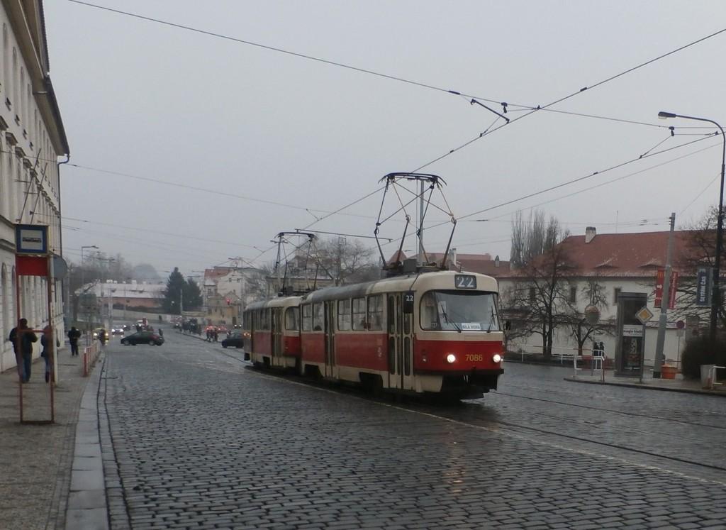 3153-linka-22-malostranska-dpp-tatra-t3sucs-7086