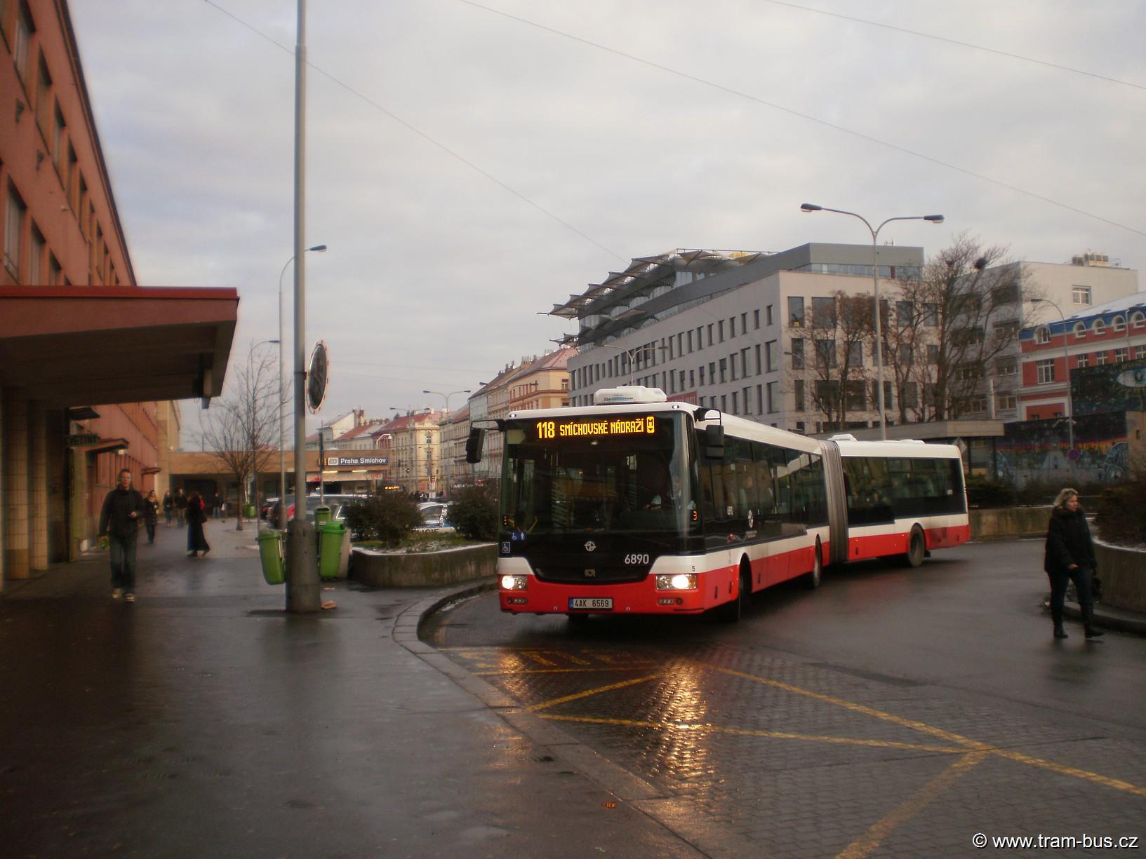 linka 118 SOR NB 18 Smíchovské nádraží 2015