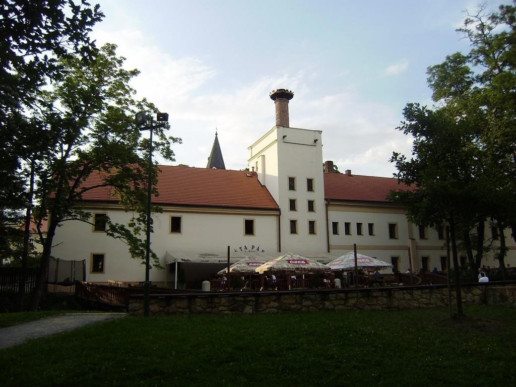 c65 - Dolní Počernice - pivovar