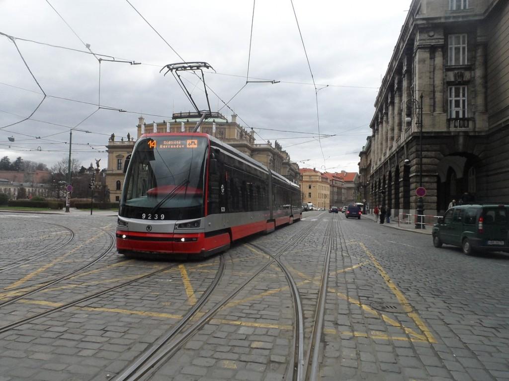 linka 14 na Staroměstské