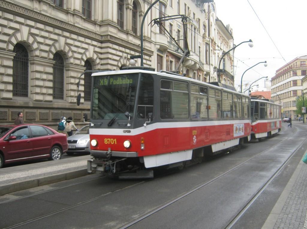 linka X-A u Národního divadla