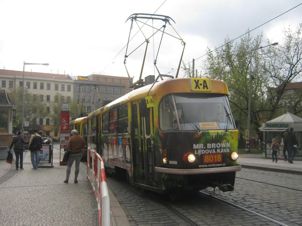 linka X-A na Námšstí Míru