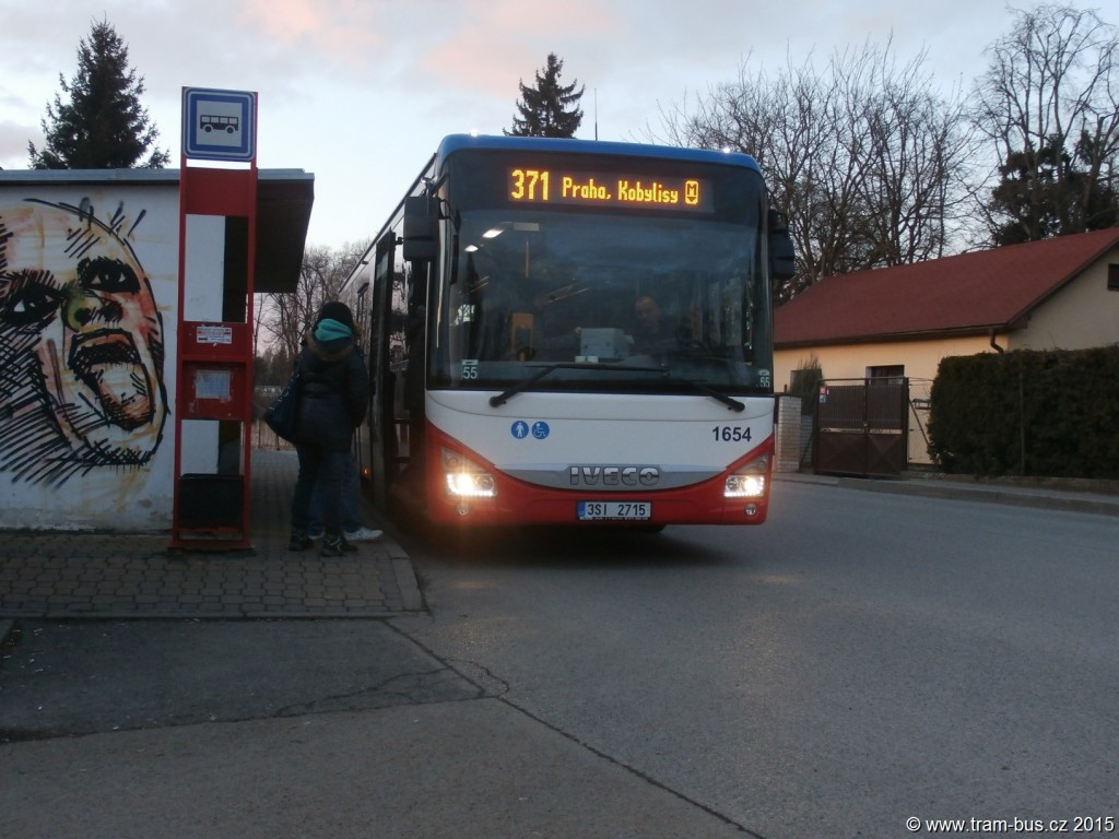 3216 - linka 371 Klecany,,u hřbitova ČSAD SČ Iveco Crossway LE 12M 1654 (8168)