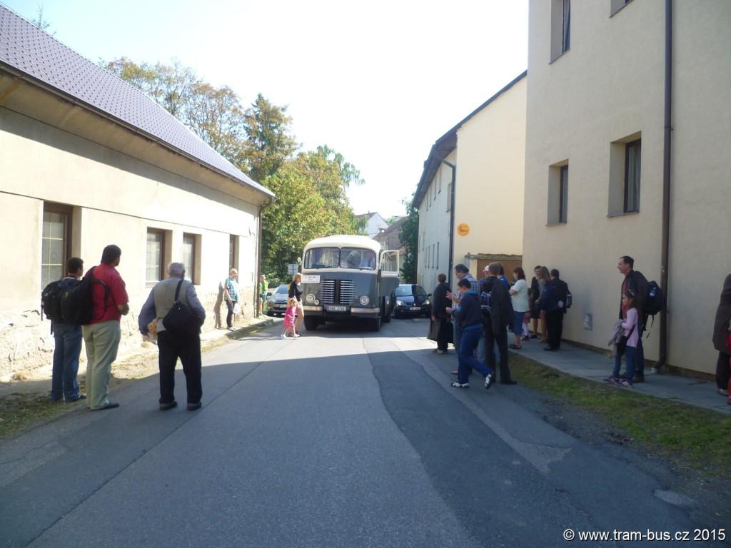 081 - 5. RDP PID 3 Škvorec OAD Kolín Škoda 706 RO 8A9 2746 stojí kvůli nedostatku nafty