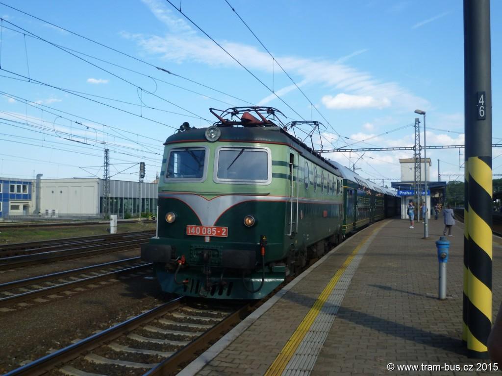 """4370 - vlak 140085-2 Patrové vozy """"Bpjo"""" s elektrickými lokomotivami """"Bobina"""" Praha-Libeň při 5. RDP trať 011"""