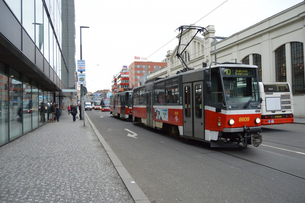 8609 - linka 10 Anděl DPP Tatra T6A5