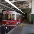 Podzemní lanovka F2, provozovaná již od roku 1875, v horní stanici Beyoğlu.