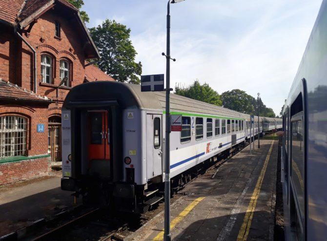 Ve stanici Wrzeście máme vykřižováno a můžeme pokračovat do Łeby