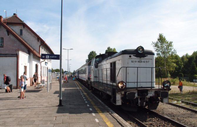 Do stanice Łeba přijel rychlík z Warszawy