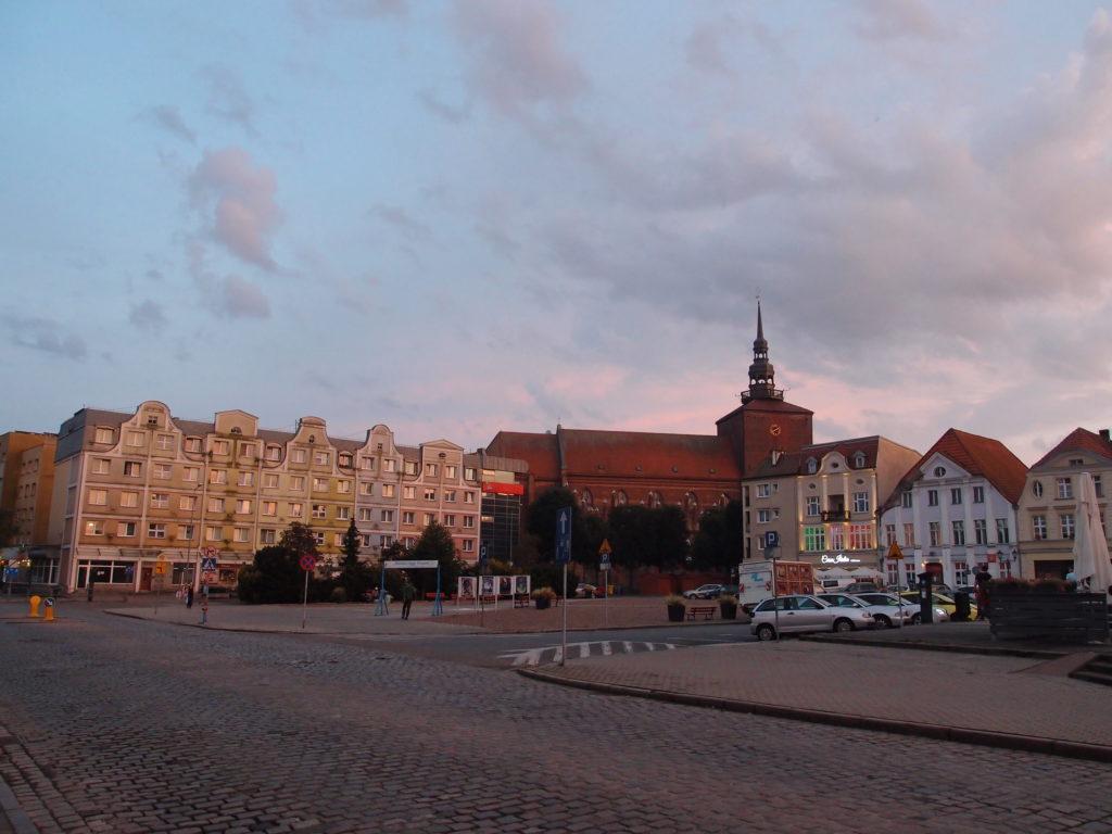 Staré náměstí ve Słupsku a kostel Panny Marie.